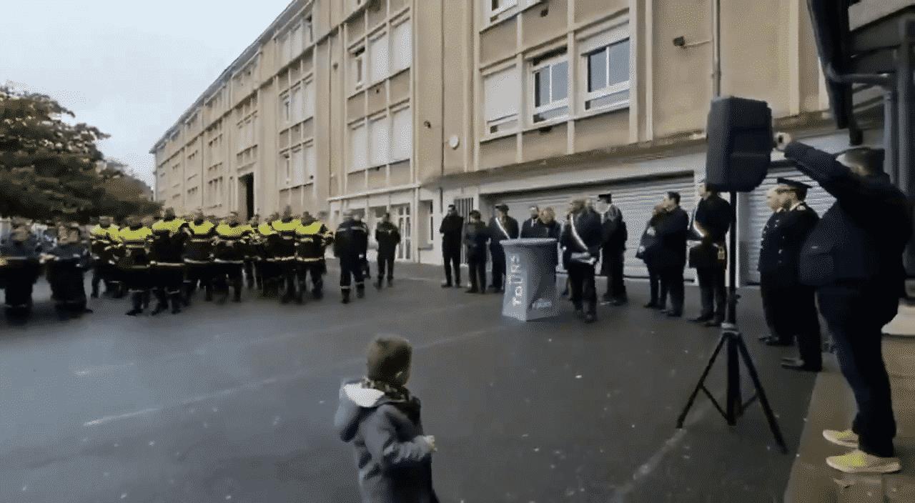 Les pompiers exaspérés boycottent le discours des élus — Tours