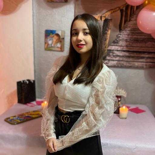 Sofia Benharira, die im Alter von 17 Jahren an einer massiven Thrombose nach einer Impfung starb